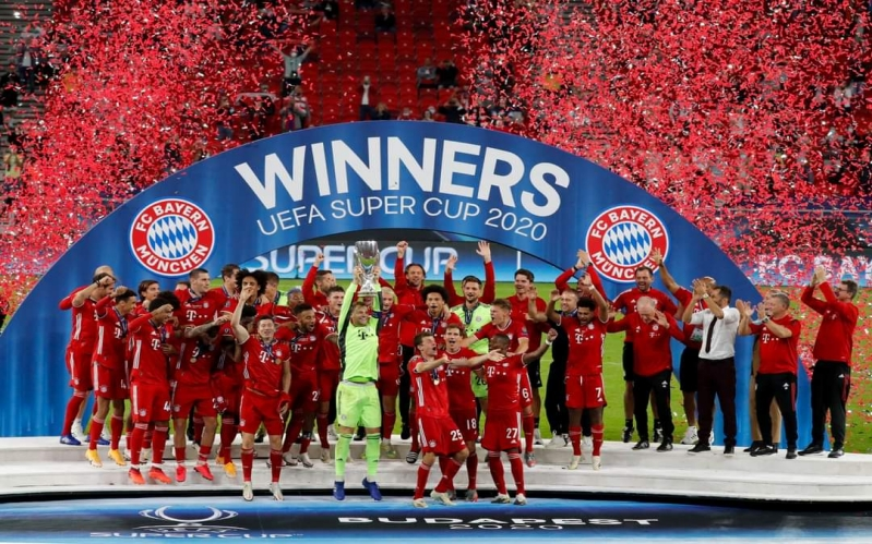 Bayern Munich celebrating after winning The UEFA Super Cup aganist Sevilla